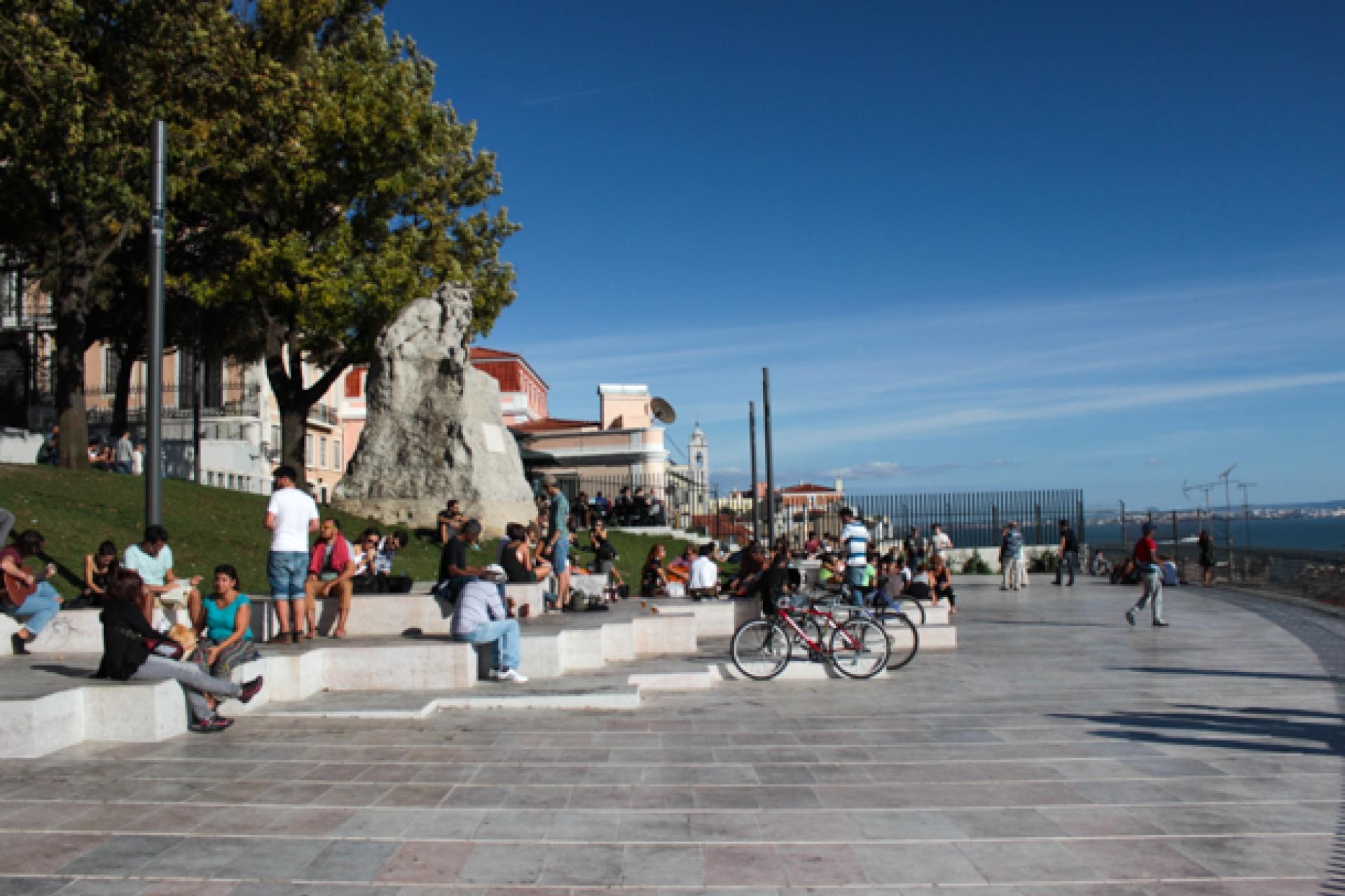 LisboaCool_Visitar_Miradouro de Santa Catarina