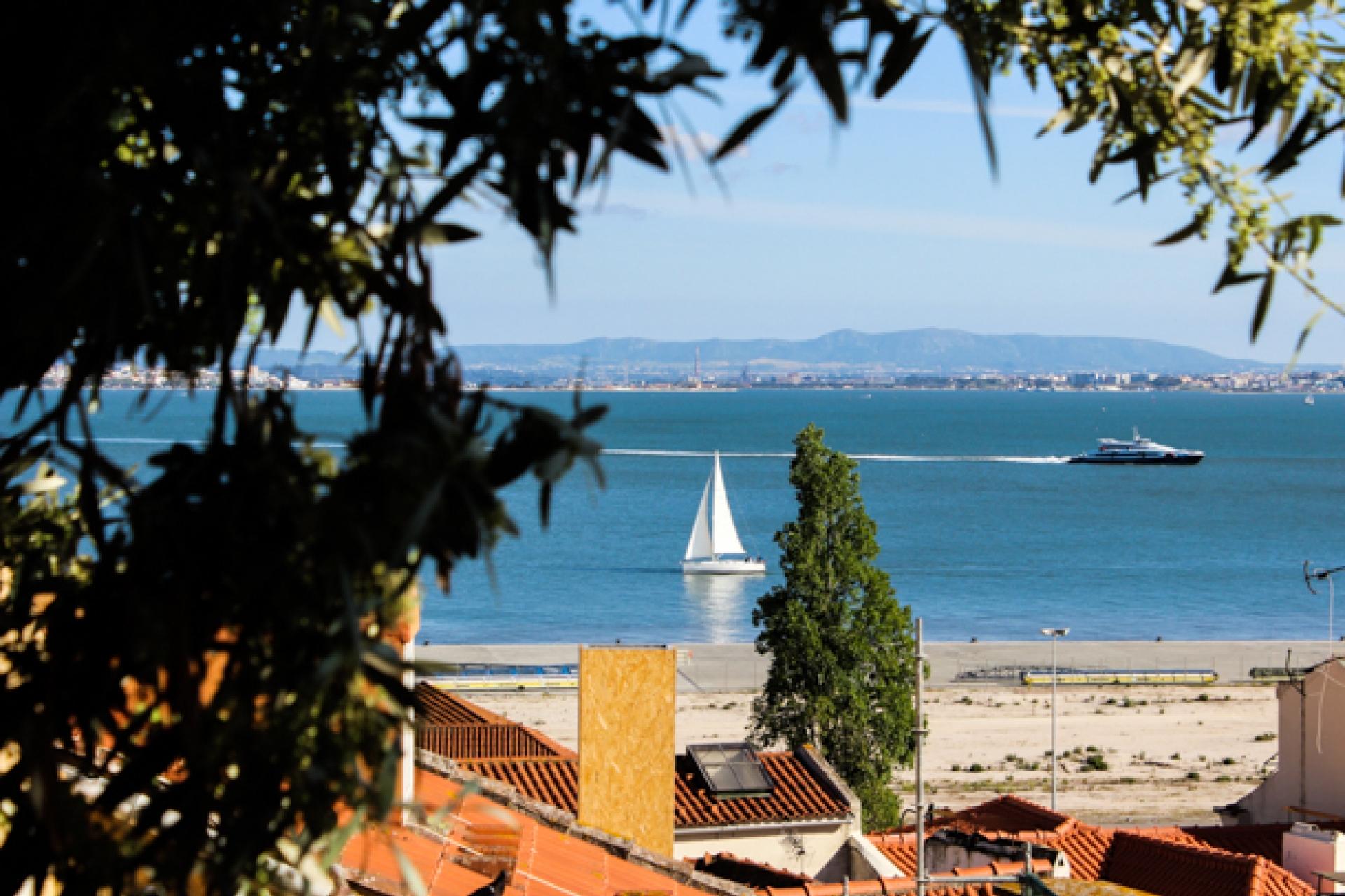 LisboaCool_Visit_Santo_Estêvão_Viewpoint
