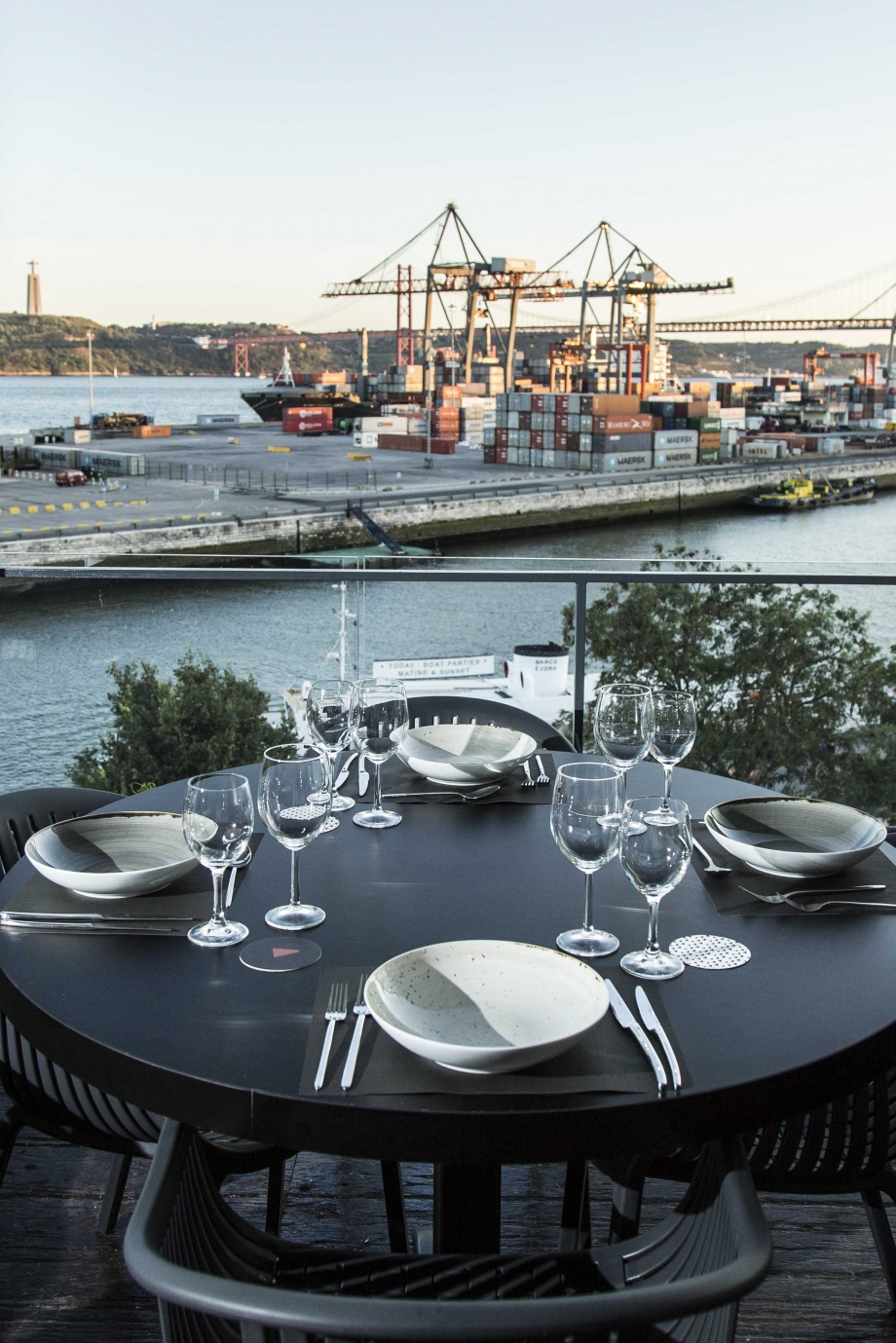 Okah Restaurant & Rooftop recebe Paulo Laureano